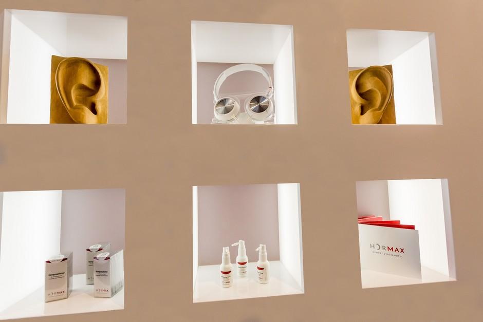 Eine große Auswahl an modernen Hörsystemen von den führenden Herstellern bietet Ihnen das Hörmax in Konstanz.